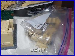 Authentic LEGO Architecture Fallingwater 21005 Frank Lloyd Wright RARE HTF