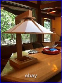 Frank Lloyd Wright Design Table Lamp