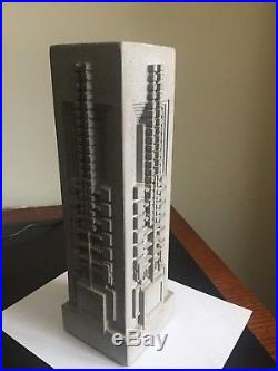 Frank Lloyd Wright Hollyhock Vase made of Concretus