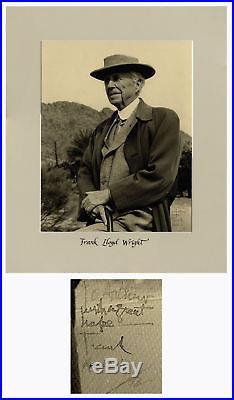 Frank Lloyd Wright Signed 11'' x 14'' Photograph