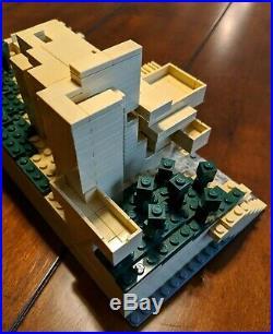 LEGO Architecture Fallingwater 21005 Frank Lloyd Wright 100% Complete